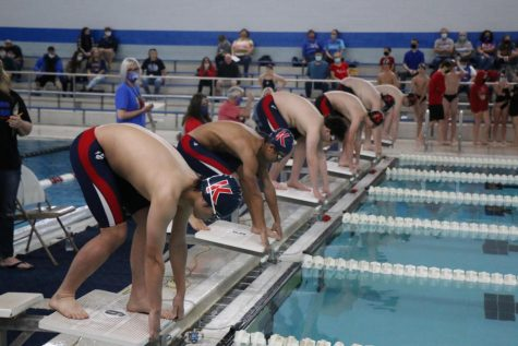 Swimmers get ready for tournament